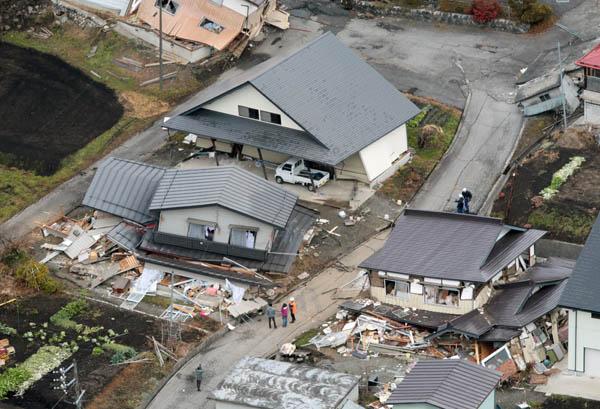 2014年長野北部の地震(C)共同通信社