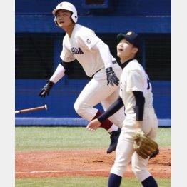 三回表に本塁打を放ち西東京大会で8強入り(C)日刊ゲンダイ