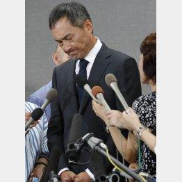 絶妙なタイミングでの謝罪会見となった渡辺謙(C)日刊ゲンダイ