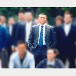 13年、馬場容疑者が府中刑務所を出所した直後は700人の仲間が集った(提供写真)