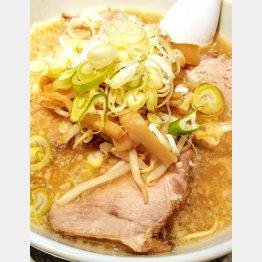 大慶の豚骨醤油ラーメン(C)日刊ゲンダイ