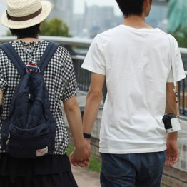 女性の過半数が50歳以上…オジサン会社員は結婚できない
