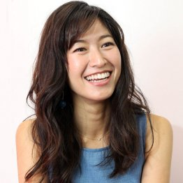 愛らしい笑顔は健在(C)日刊ゲンダイ