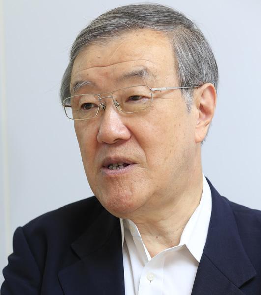 「保険料は月収の5%以内」と語った出口治氏(C)日刊ゲンダイ