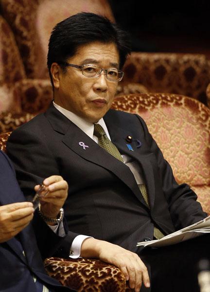 「違法献金」疑惑がくすぶる加藤勝信厚労相/(C)日刊ゲンダイ