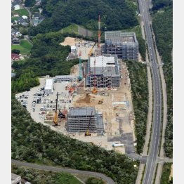 工事が進む建設現場(C)共同通信社