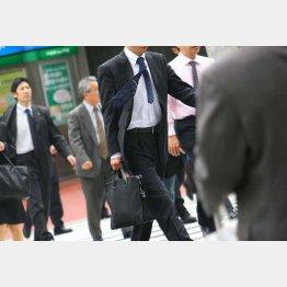 残業代の削減から早朝出勤を推奨するが(写真はイメージ)(C)日刊ゲンダイ