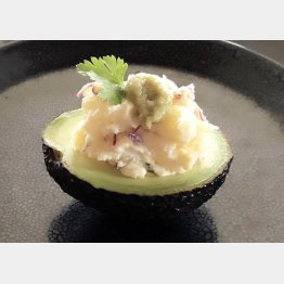 アボガド+ポテトサラダのわさびのせ(提供写真)