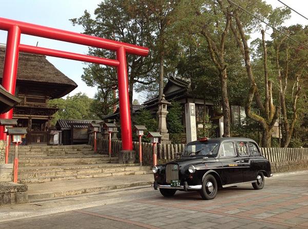 「親孝行タクシー」を始めたつばめタクシーの車両