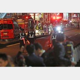 昨年都内の停電をおこした埼玉県新座市送電線火災現場(C)日刊ゲンダイ