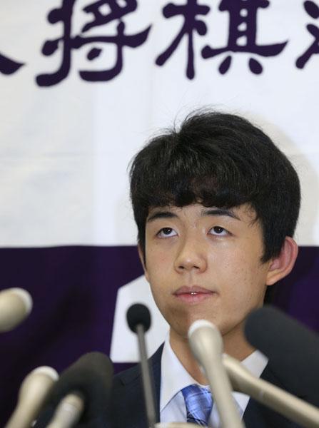 幼年時代から相撲が好きだった藤井聡太四段(C)日刊ゲンダイ