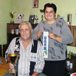 ブルガリアの長躯一族の肖像「おばあちゃんも180センチ」