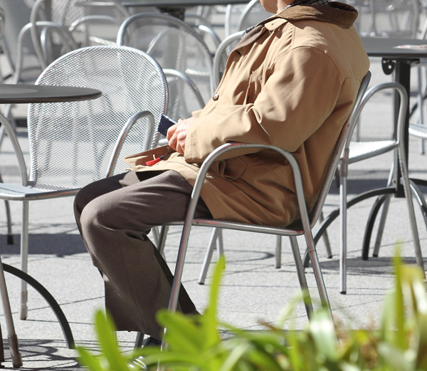 男は年を取るにつれ、「ありがとう」を言わなくなる(C)日刊ゲンダイ