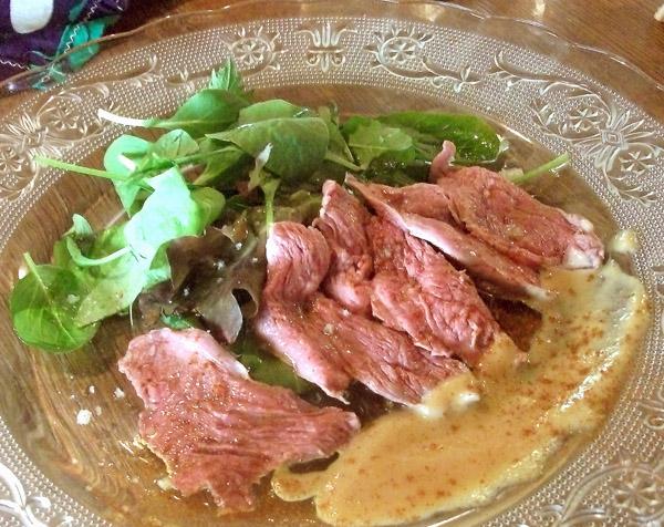 鹿肉は低カロリーの高タンパク(C)日刊ゲンダイ