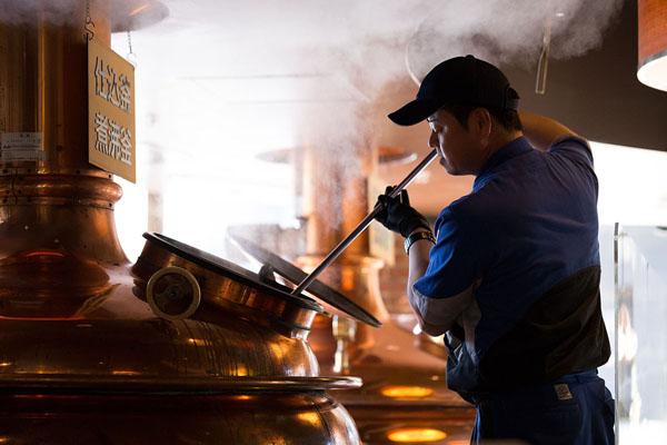 クラフトビールの生産を増やす隅田川パブブルワリー(アサヒビール提供)