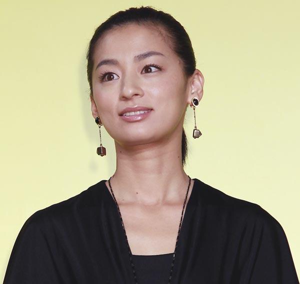 尾野真千子(C)日刊ゲンダイ