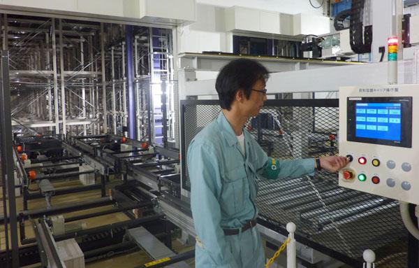 リチウムイオン電池製造工場(C)共同通信社