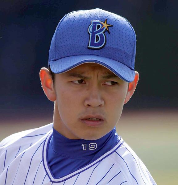 「守護神」山崎康はここまで63試合に登板/(C)日刊ゲンダイ