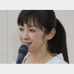 不倫の事実を認めた斉藤由貴(C)日刊ゲンダイ