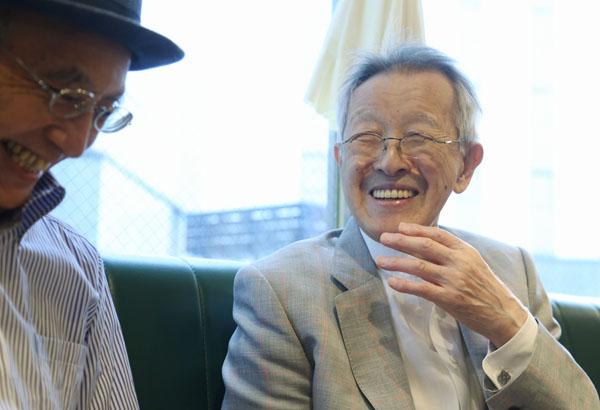 表情豊かに話す桂米丸(右)/(C)日刊ゲンダイ