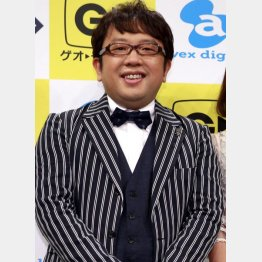 涼しげ笑顔の天野ひろゆき(C)日刊ゲンダイ