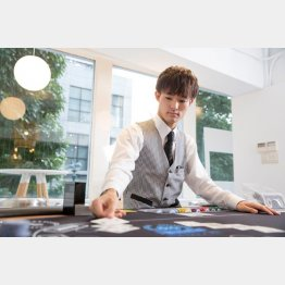 日本はディーラー不足というかほぼいない(日本カジノ学院提供)