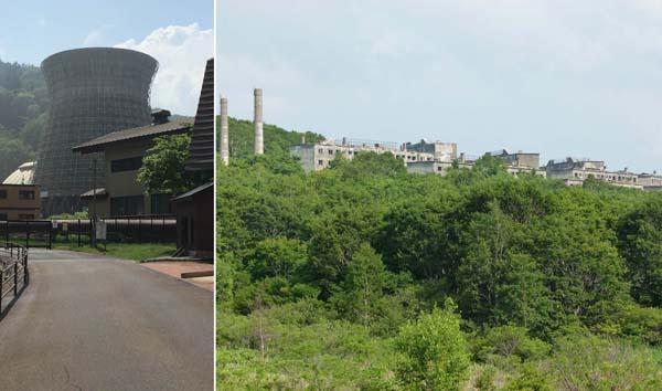 1万5000人が暮らした松尾鉱山のアパート跡、左は松川地熱発電所の冷却塔(C)日刊ゲンダイ