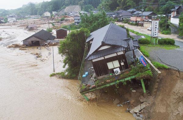 7月には九州豪雨があった(C)共同通信社