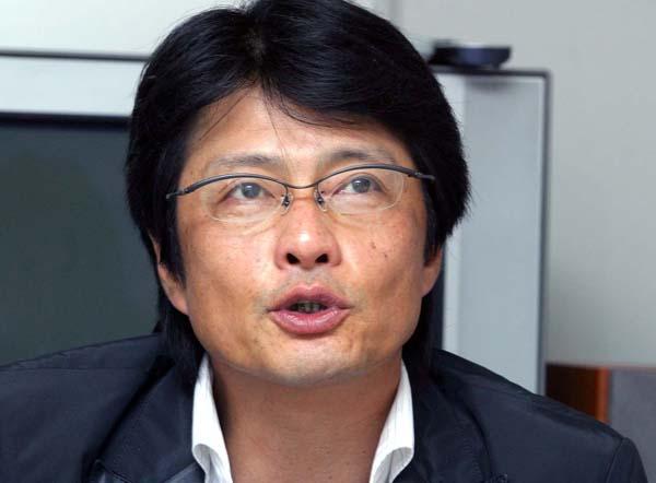「是々非々で」と亀山千広社長(C)日刊ゲンダイ