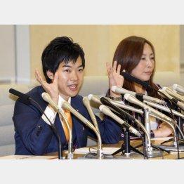 上田令子都議(右)と共に都民ファーストの会を離党(C)日刊ゲンダイ