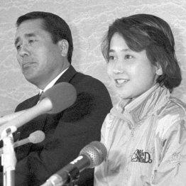 「私を選んで下さい」と笑顔で会見する松野明美