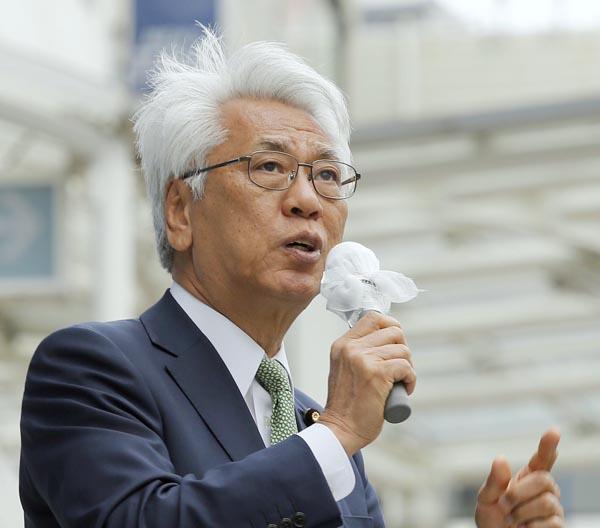 2016年参院選挙で街頭演説する小川敏夫参院議員会長(C)日刊ゲンダイ