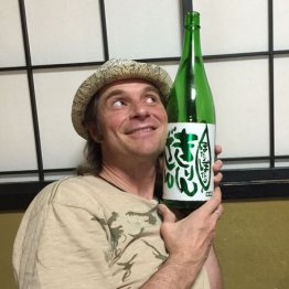 セイン・カミュを日本酒好きにした無愛想店主と地方ロケ