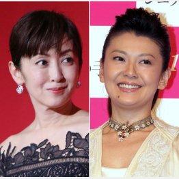斉藤由貴(左)から南野陽子へバトンタッチ/(C)日刊ゲンダイ