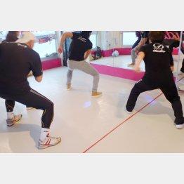 社交ダンスよりも自由度が高いのが利点(C)日刊ゲンダイ