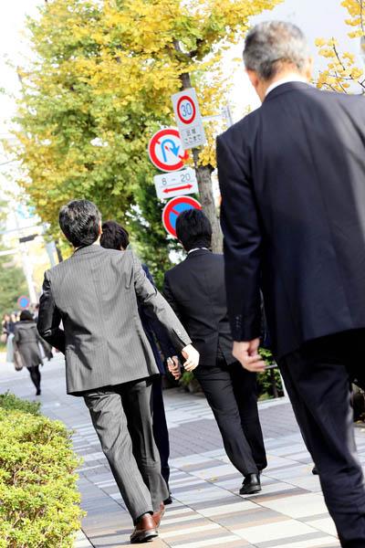 懐が寒いサラリーマンは多いだけに…(写真はイメージ)/(C)日刊ゲンダイ