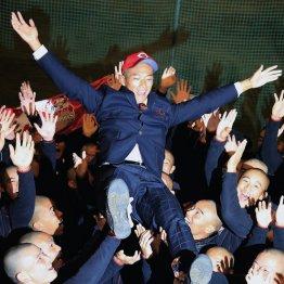 広島1位中村 丸刈り頭が示す「トリプルスリー」の可能性