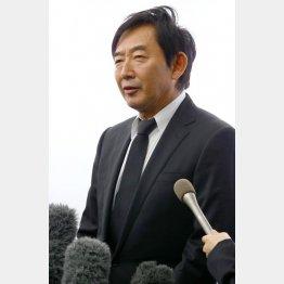 故人を偲んだ石田純一(C)日刊ゲンダイ