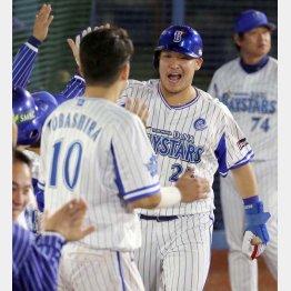 シリーズ初本塁打で流れを引き寄せた筒香(C)日刊ゲンダイ