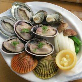 新島水産(洲本・由良)漁港近くの貝卸しが食事処を併設