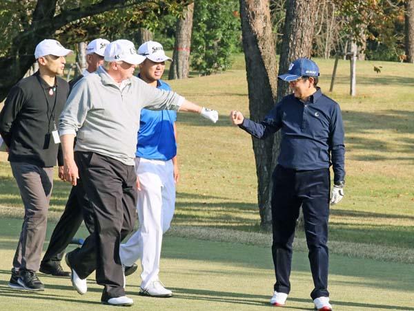 トランプ、安倍首相、松山英樹が横並びになったのは数えるほど(内閣広報室提供/共同)