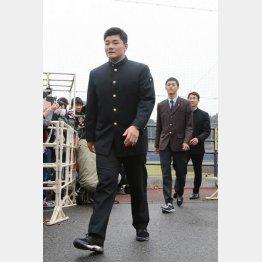 鎌ケ谷の二軍施設を訪れた際の清宮(C)日刊ゲンダイ
