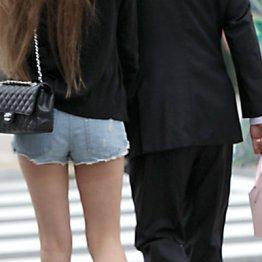 港区女子に憧れも 「パパ活」アプリまで登場した性の商売