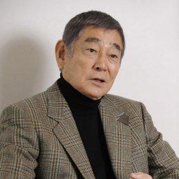 富山刑務所の講演会で「初めまして 映画俳優の高倉です」
