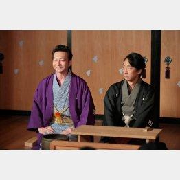 左が波岡一喜(12月16日放送)/(C)NHK