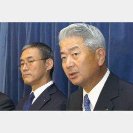 大林会長(左)と白石社長/(C)共同通信社