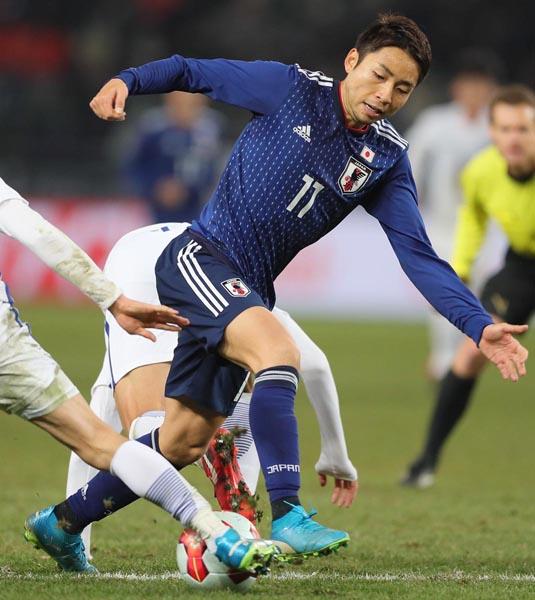 今季Jリーグ得点王のFW小林も韓国戦はいまひとつだった(C)Norio ROKUKAWA/office La Strada