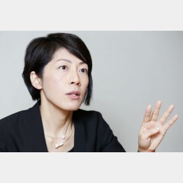 「モヤモヤした感情を言葉にして読者に伝えたい」と高橋氏(C)日刊ゲンダイ