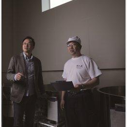 「杜氏冥利に尽きます」と川端さん(右)は語る(提供)上川大雪酒造