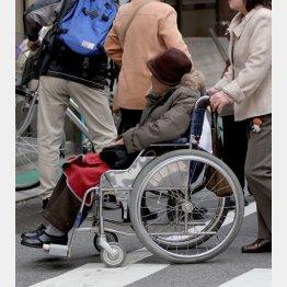 税金、医療、介護の負担増(C)日刊ゲンダイ